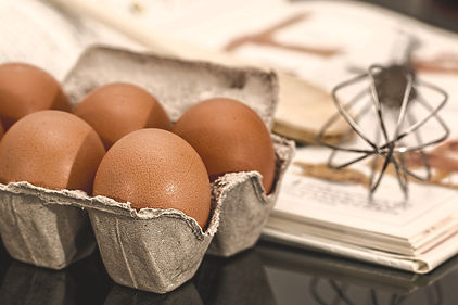 egg-944495_1920_edited.jpg
