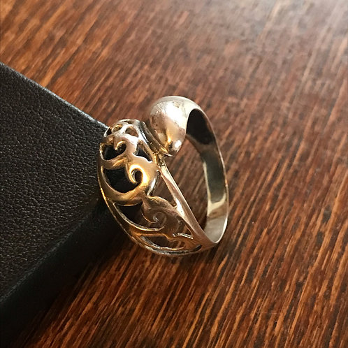 Chunky filigree ring