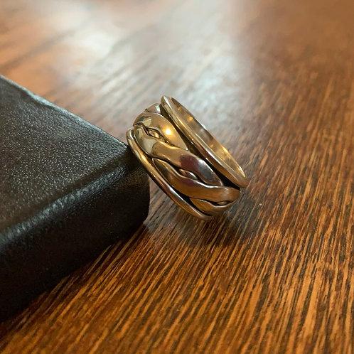 Spinner band ring