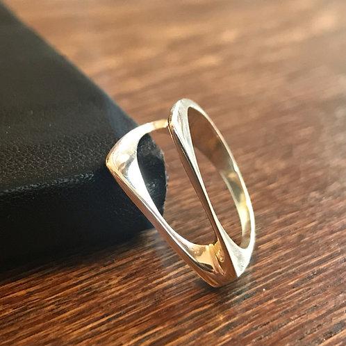 Angular ring