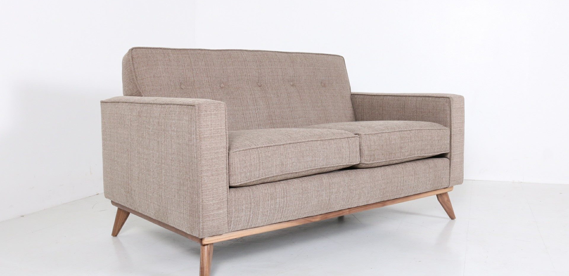 Ventura loveseat