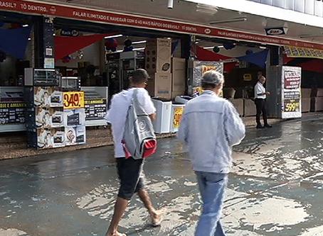 Primeiro dia útil que lojas de móveis e eletrodomésticos voltaram a funcionar depois do novo decreto