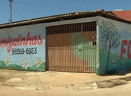 Diretora de creche prepara marmitas para moradores da região