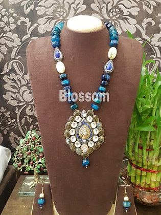 Neckpiece With Earrings