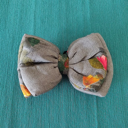 Anchor Grey Double Bow with Solid Red Flowers