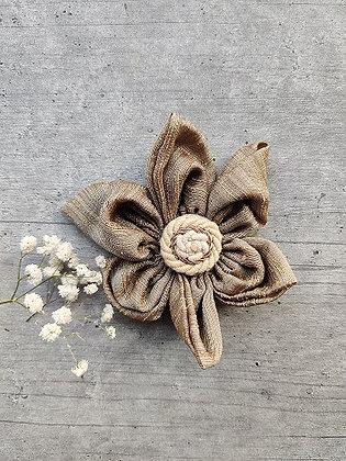 Ecru Reveur – Beige Festive-Flower Bow with an Ivory Gold Button