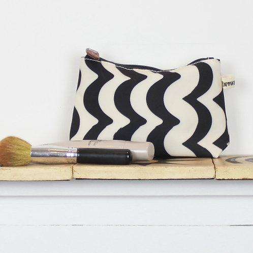 Make up bag wave design front