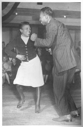 Dancing at Bilken Club