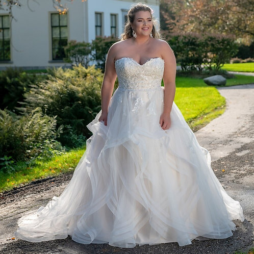 Strapless Lace Sweetheart Ruffled A-Line Plus Size Gown
