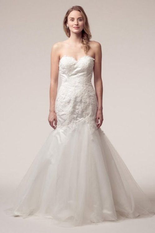 Gorgeous Lace Sweetheart Neckline Mermaid Wedding Gown