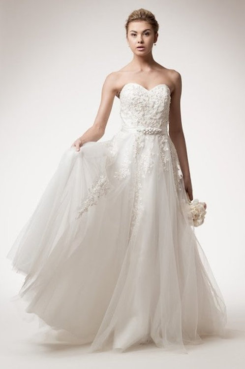 Sweetheart Neckline Beaded Lace Ball Wedding Gown