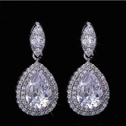 Blinging Tear Drop Cubic Crystal Diamond Earrings