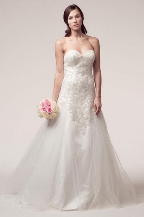 Strapless Sweetheart Embroidery Lace Trumpet Wedding Gown