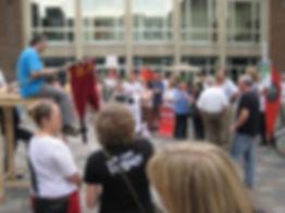 Juni 2009–vor–dem–Rathaus–mit–dem–Klueng