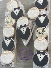 Monogram letter M cupcake box