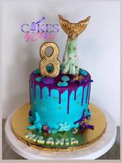 Mermaid drip cake