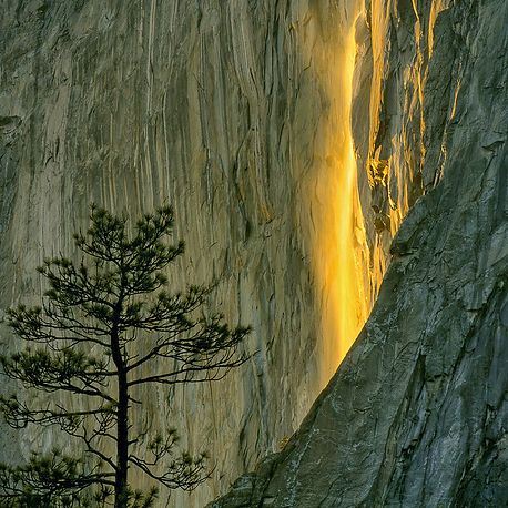Firefall: Horsetail falls lights up under the right conditions, Yosemite National Park