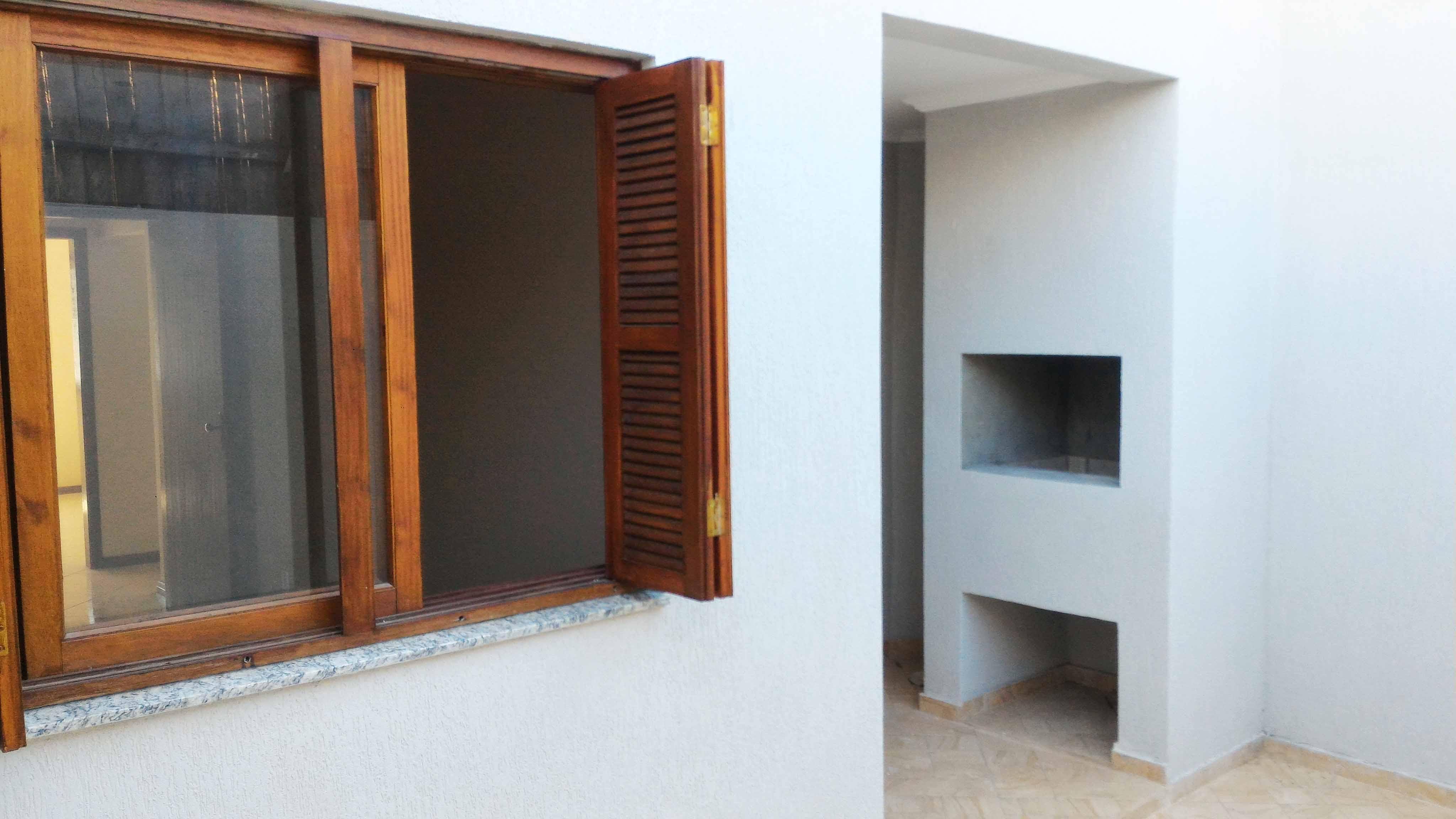 Ap102-janela-fundos-churrasqueira