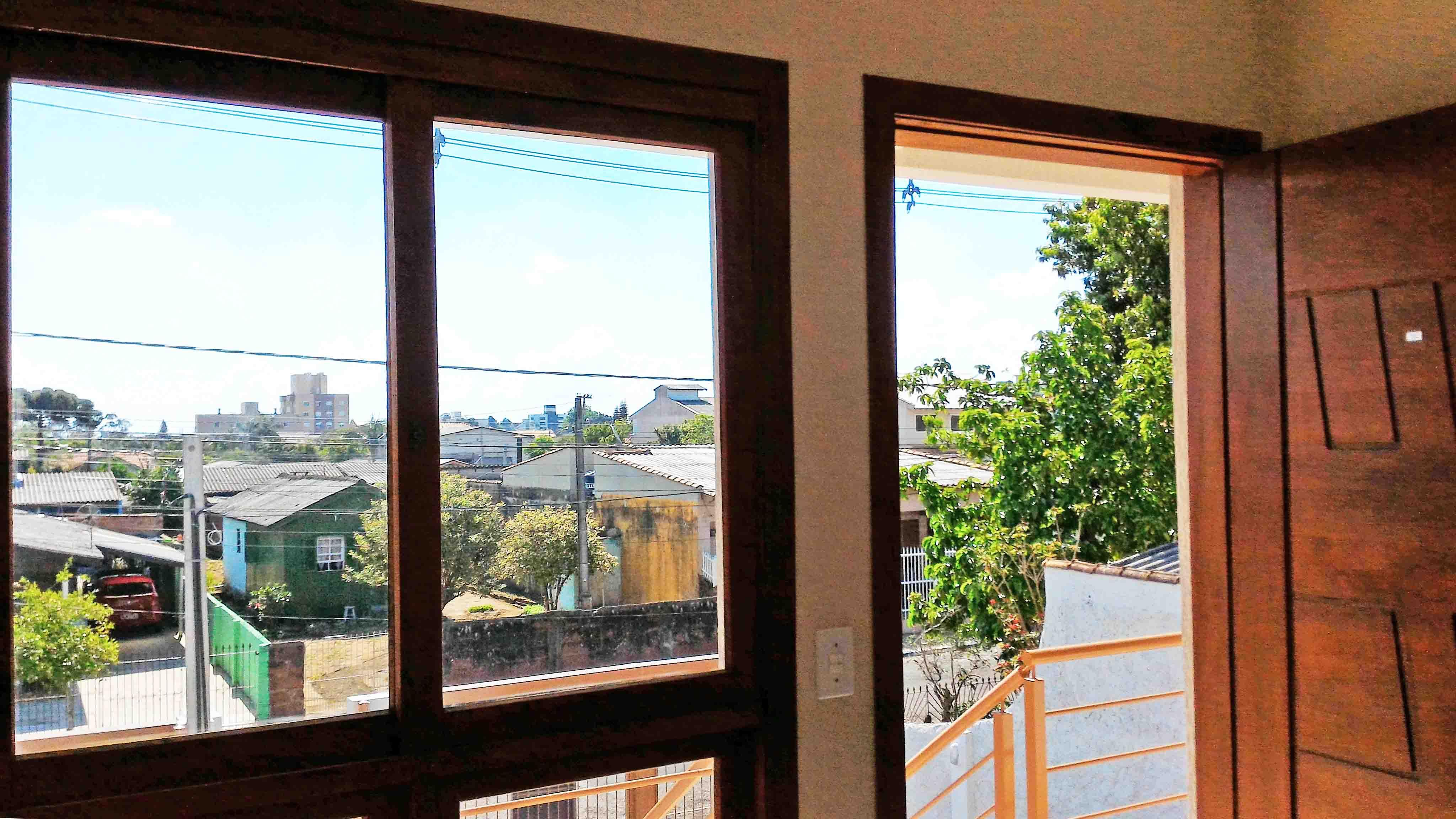 Ap202-porta-e-janela-da-sala