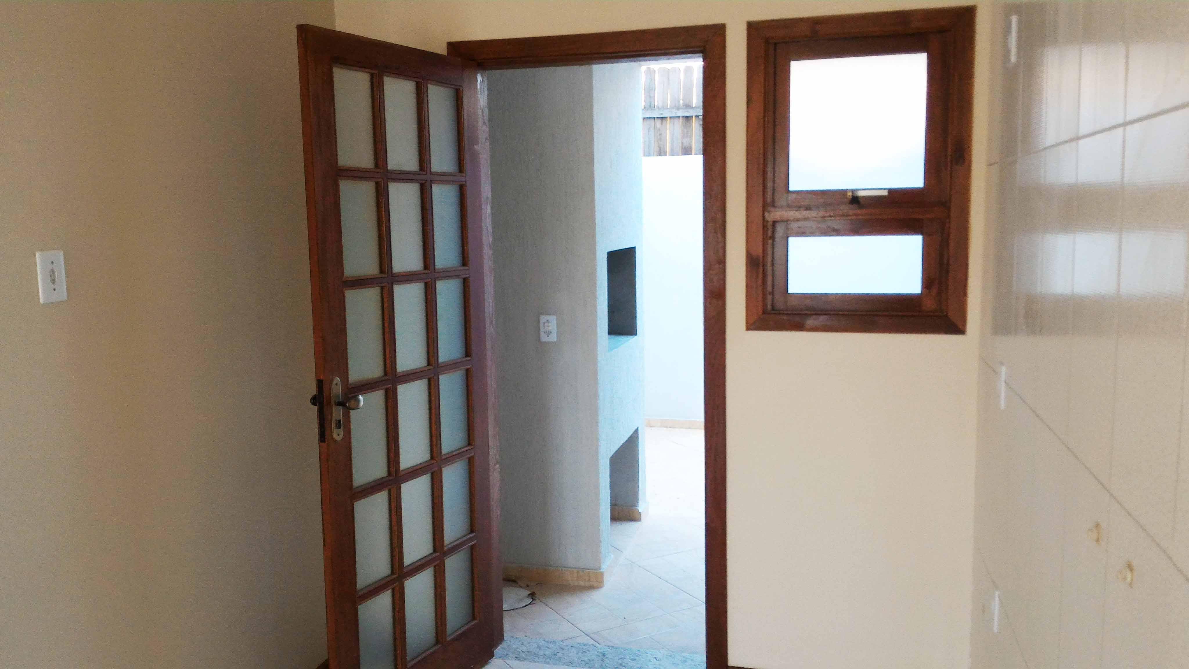 Ap102-porta-fundos-churrasqueira
