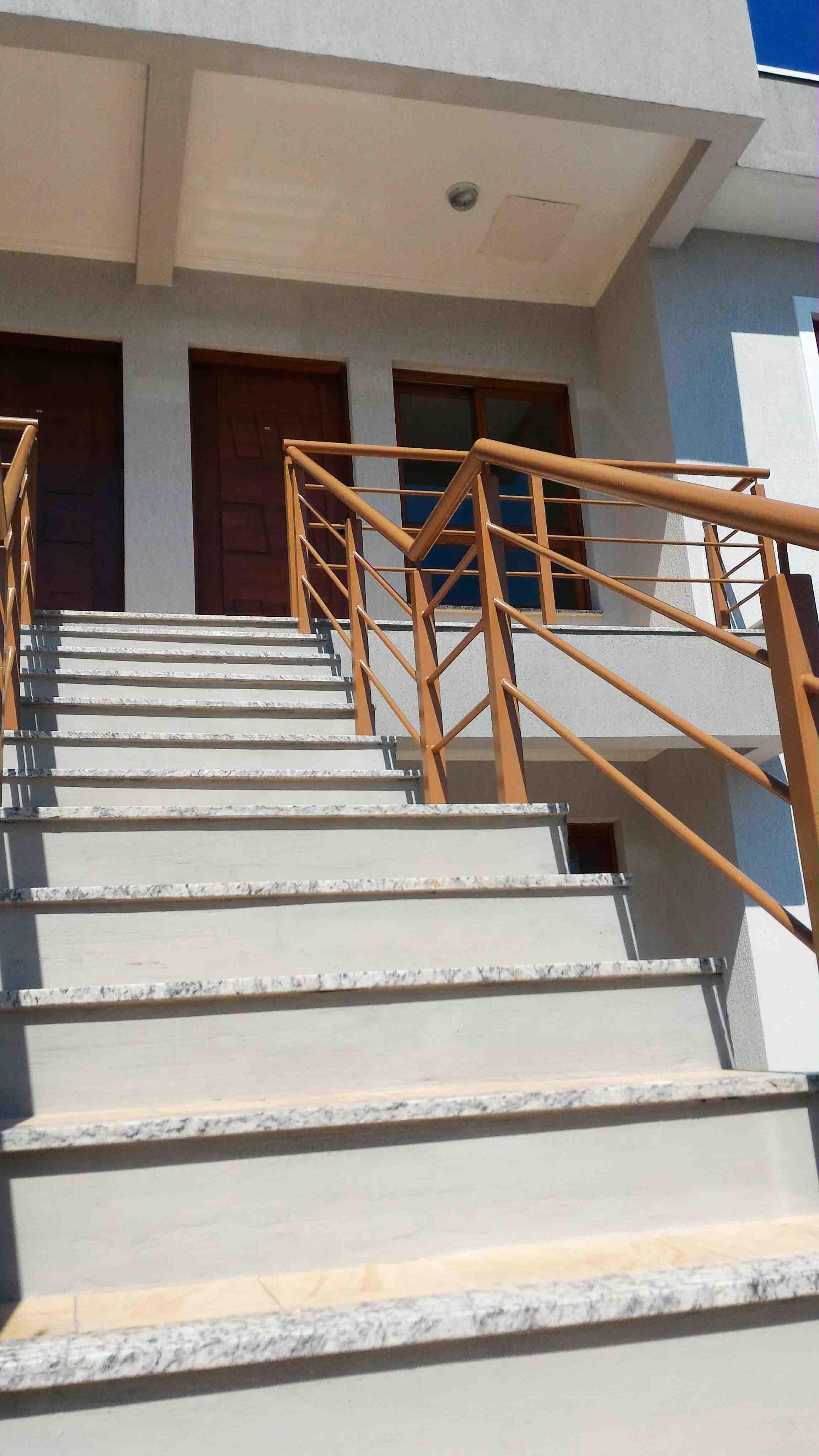 Ap202-escada-predio