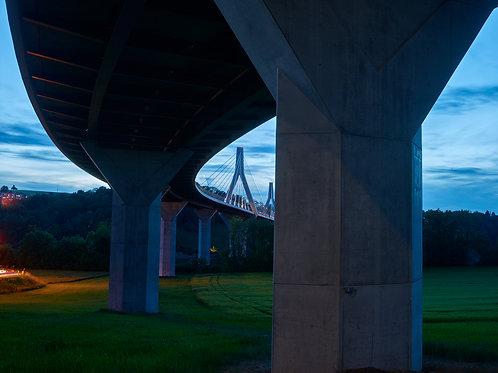 Abend unter der Brücke