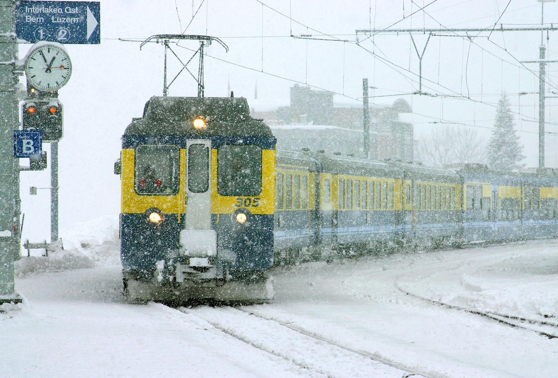 Snowstorm arrival.jpg