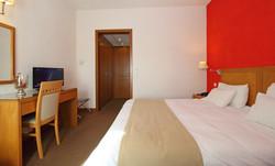 PARNASSIA HOTEL ROOM 5