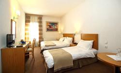 PARNASSIA HOTEL TRIPLE ROOM