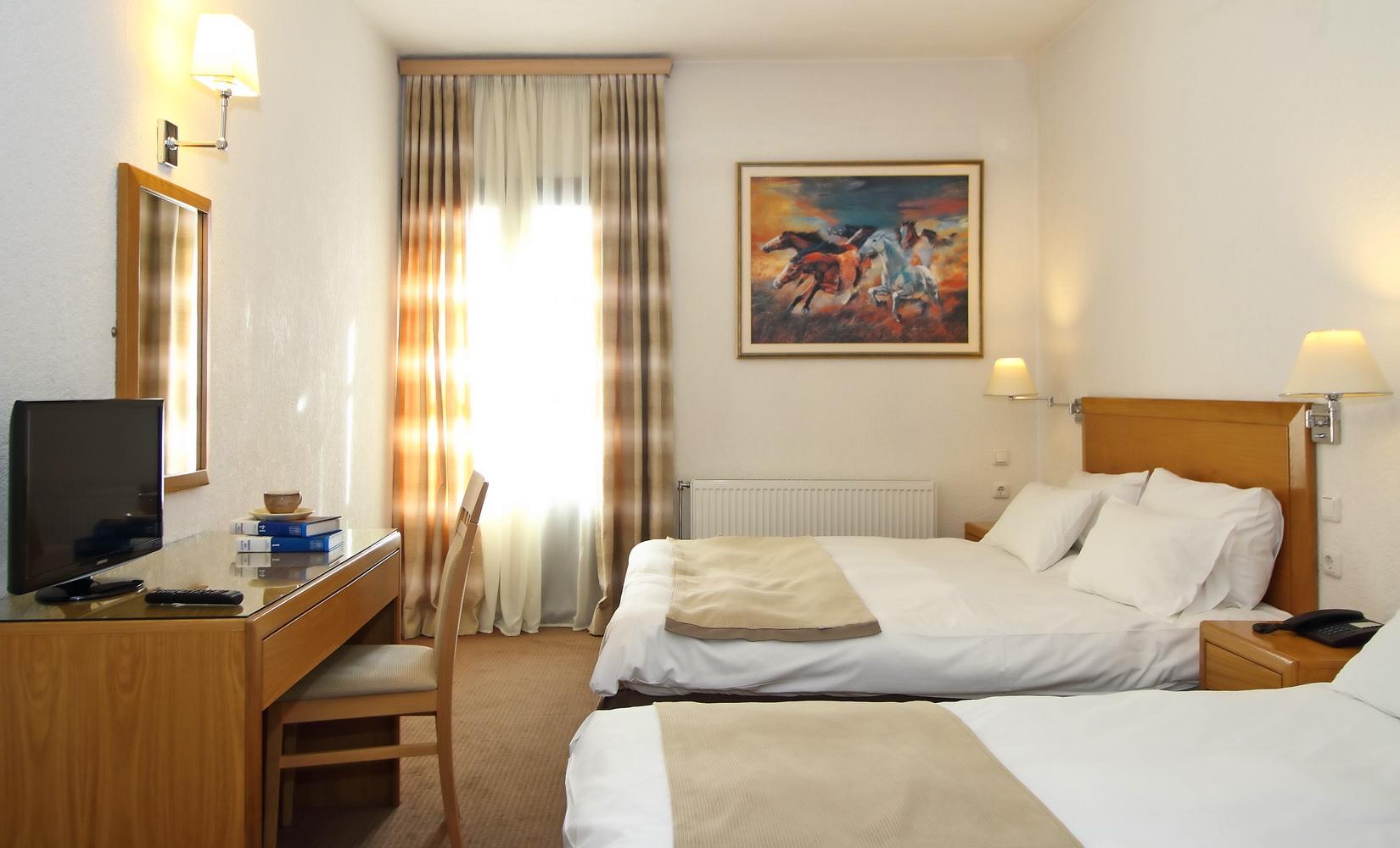 PARNASSIA HOTEL TRIPLE ROOM 1