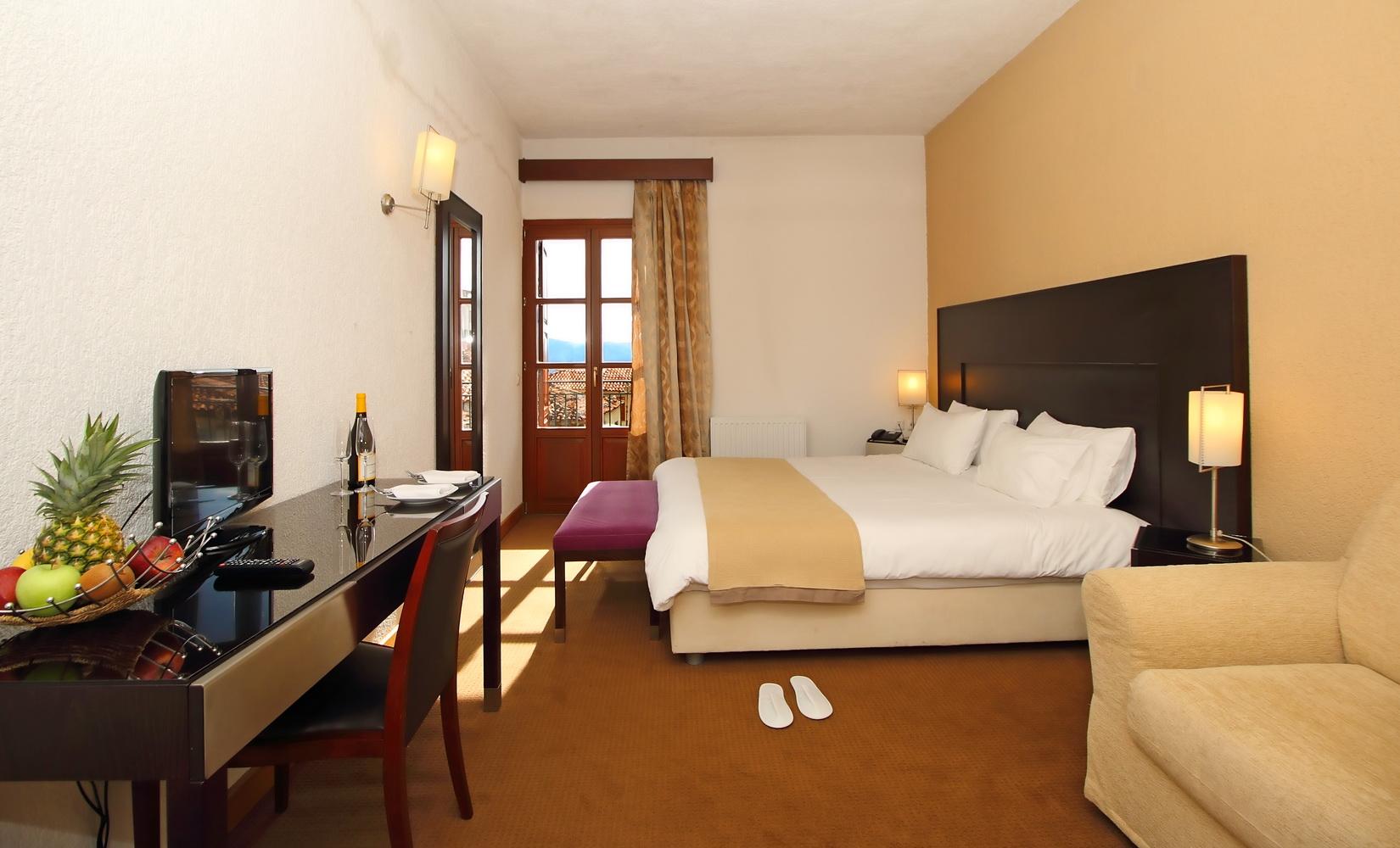 PARNASSIA HOTEL ROOM 2