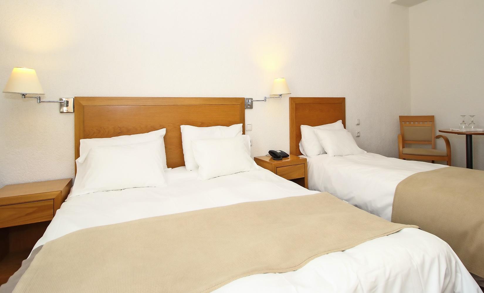 PARNASSIA HOTEL TRIPLE ROOM 2