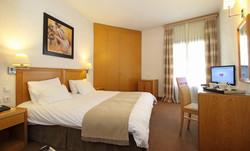 PARNASSIA HOTEL ROOM 7