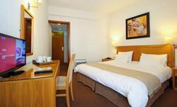 PARNASSIA HOTEL ROOM 8