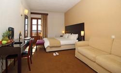 PARNASSIA HOTEL ROOM 3