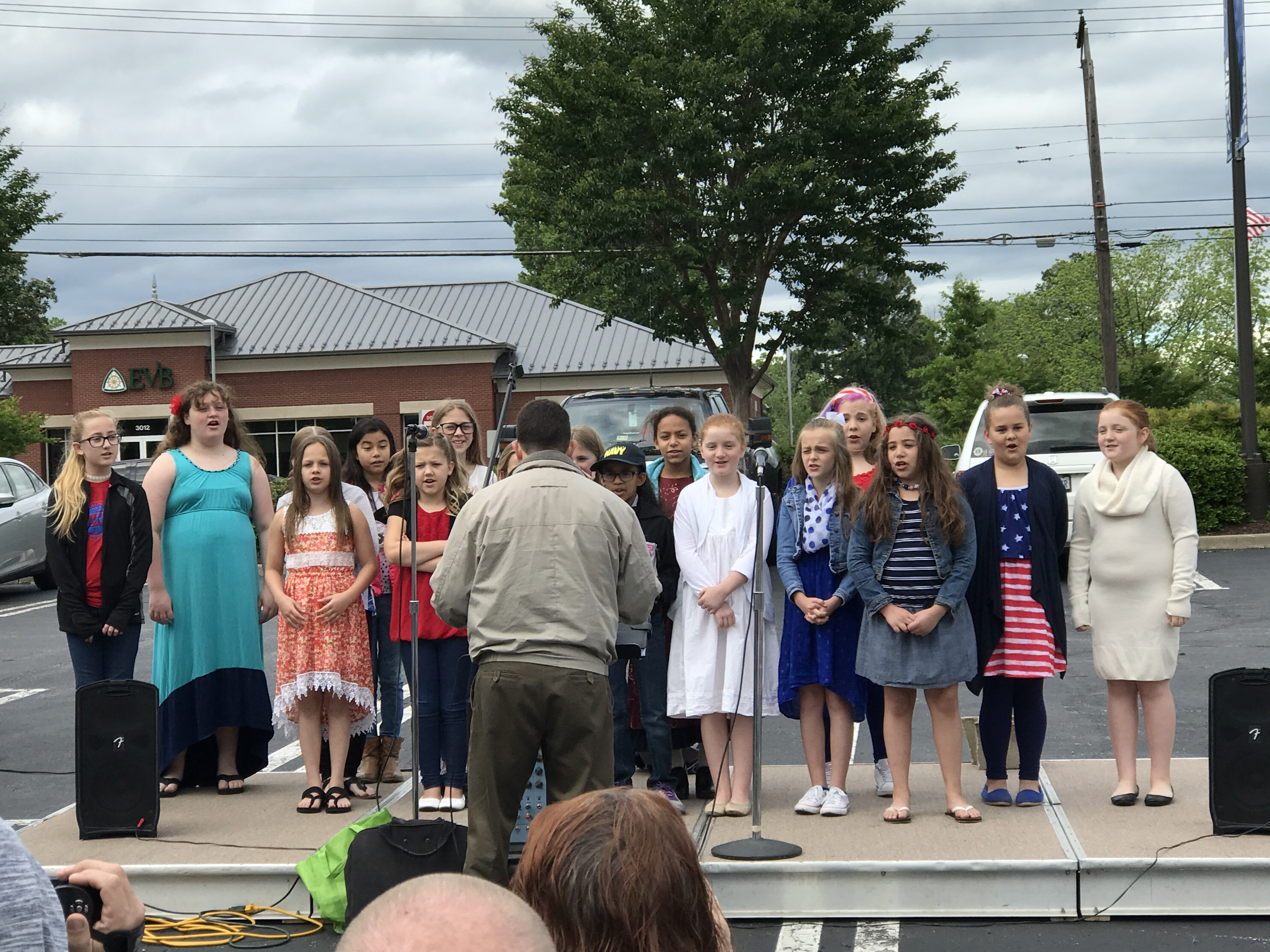 Tussing Elementary School Sings Patriotic Songs