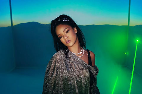 Calvin Harris and Rihanna lasers for mus