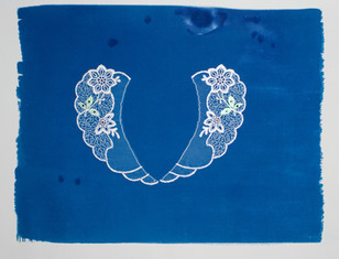 Delicate Floral Collar