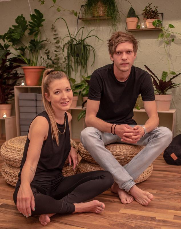 Das Dschungel-Gründer-Team Sarina und Adrian