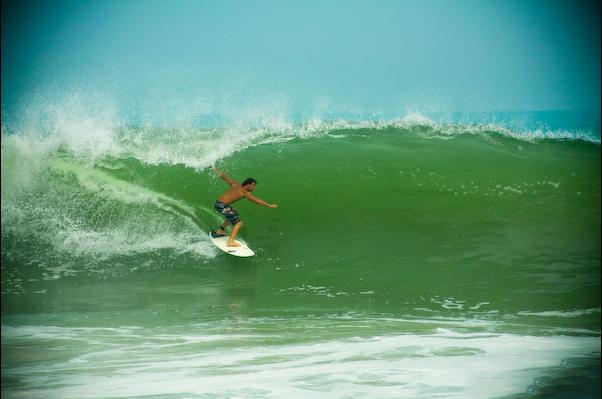 photography-vince-hurricane-surfing-web.jpg