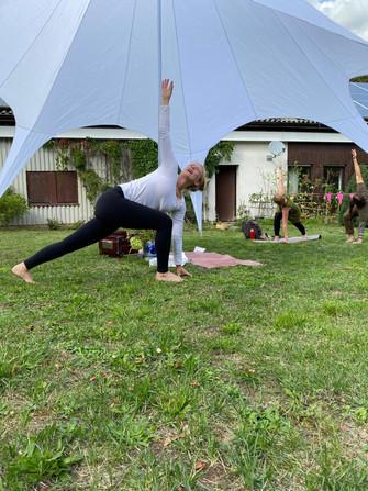 Yogafest im Grünen