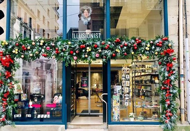 Illusionist Concept Store, Saint Etienne,Tapisserie Décoration, Farrow& ball, peinture, tissu, papier peint, objets décoration, cours de tapisserie,design