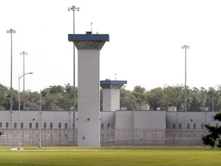 Federal prison officials get bonuses as staffing shortages, management problems persist