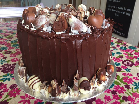 Chocolate shell cake