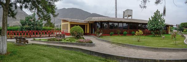 Exterior del comedor y kiosco, BCM Perú.
