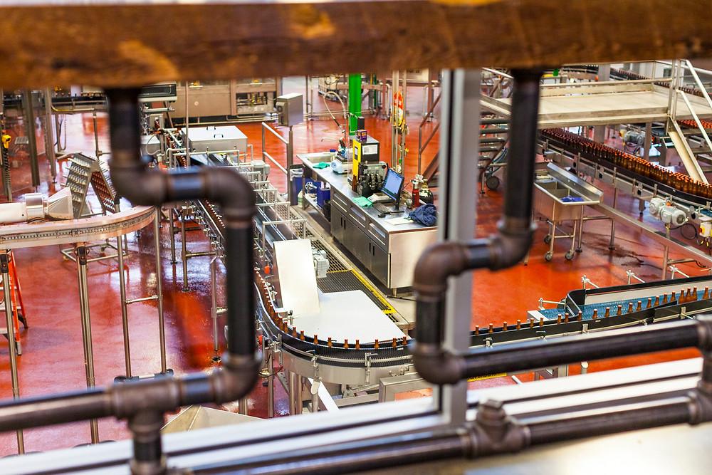 Bottling line moving 450 bottle per minute