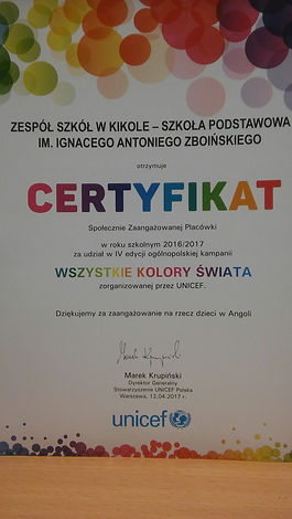 """Zdjęcie - certyfikat za zaangażowanie Szkoły w czwartej edycji ogólnopolskiej kampanii """"Wszystkie kolory świata"""" zorganizowanej przez UNICEF"""