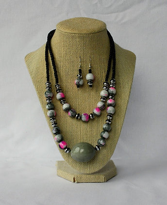 Jekk necklace and earring set