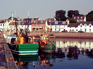 Ullapool Harbour_edited.jpg