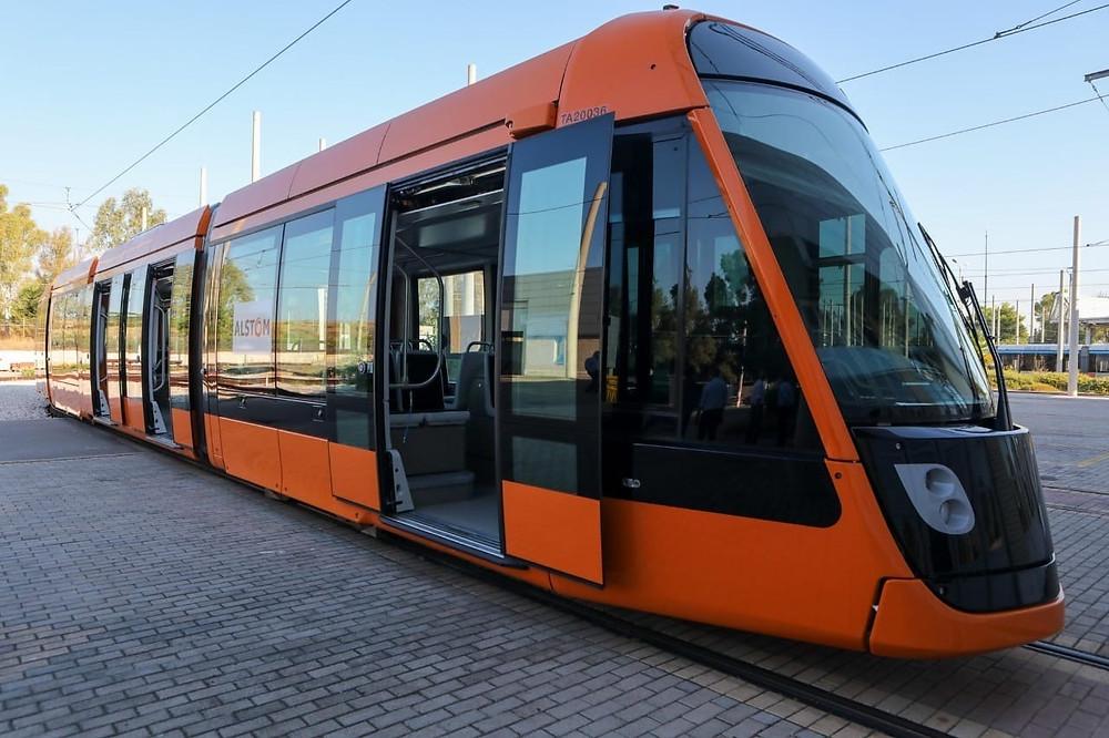 """Τα νέα """"πορτοκαλί"""" τραμ"""